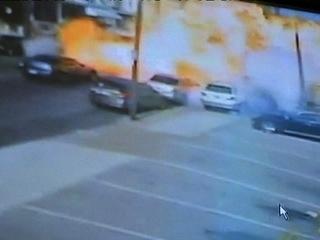 Video muestra asombrosa explosión de camión en Filadelfia