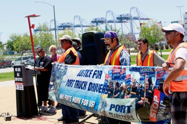 Manifestación en el puerto de Los Ángeles