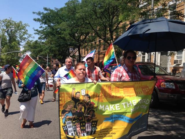La comunidad LGBT marcha en Bushwick