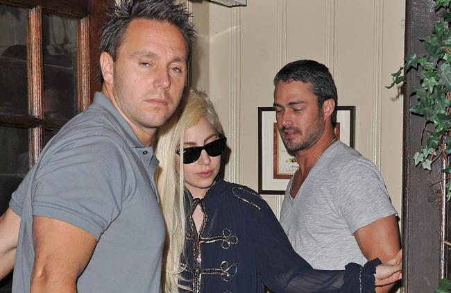 Lady Gaga no se preocupa por las escenas de cama de su novio