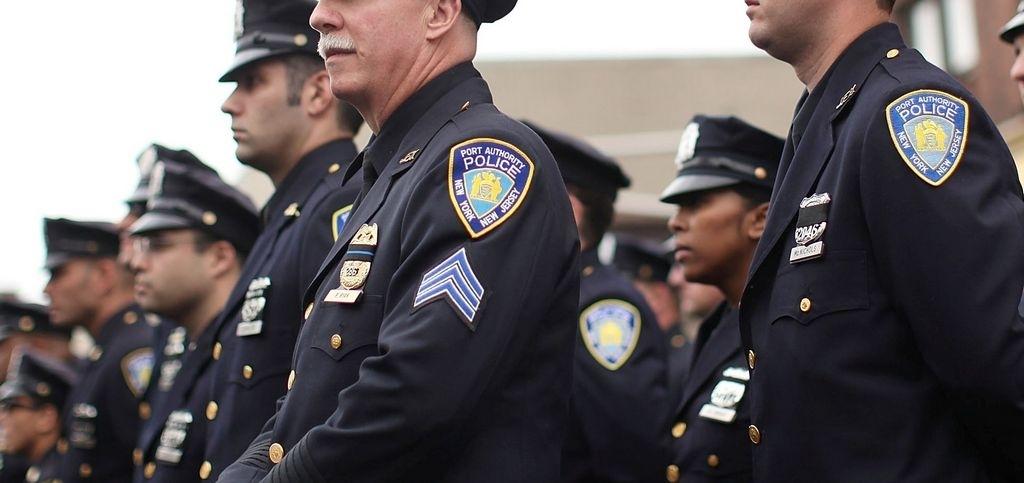 Máxima seguridad para funeral de policía hispano de Jersey City