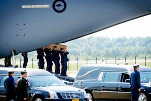 Holanda recibe los restos de víctimas del vuelo MH17