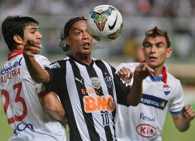 Dinho     y el  Mineiro,  cerca del 'divorcio'