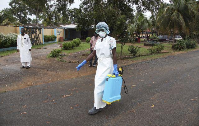 Autoridades siguen de cerca epidemia de Ébola en África occidental