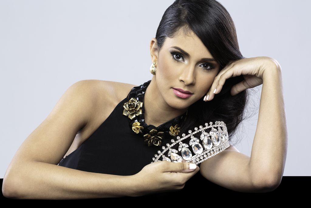 Conoce a Thatiana Díaz, Miss República Dominicana USA