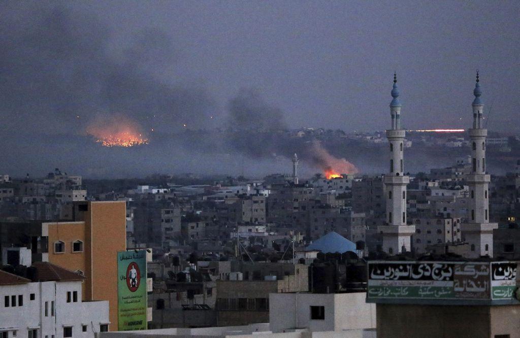UE condena ataques a escuela de ONU y a mercado en Gaza