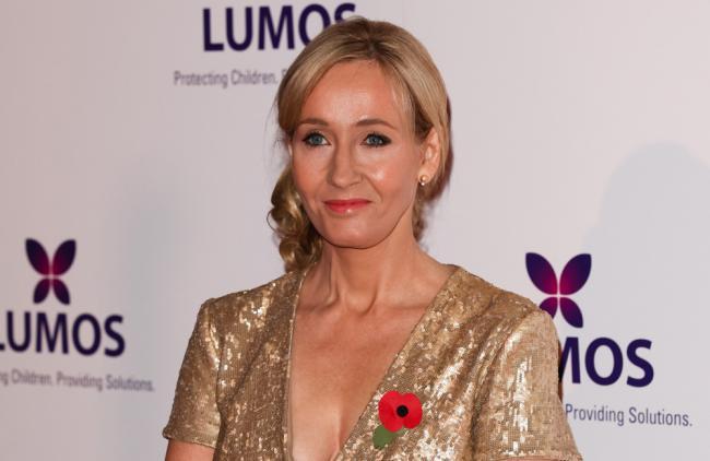 J.K. Rowling brinda su apoyo a víctima de tiroteo en Texas
