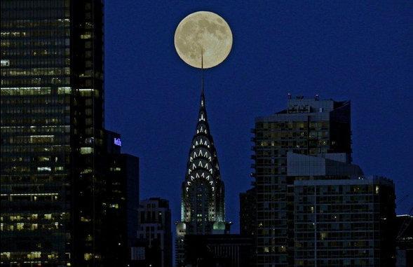 La Superluna ilumina NYC (fotos y video)