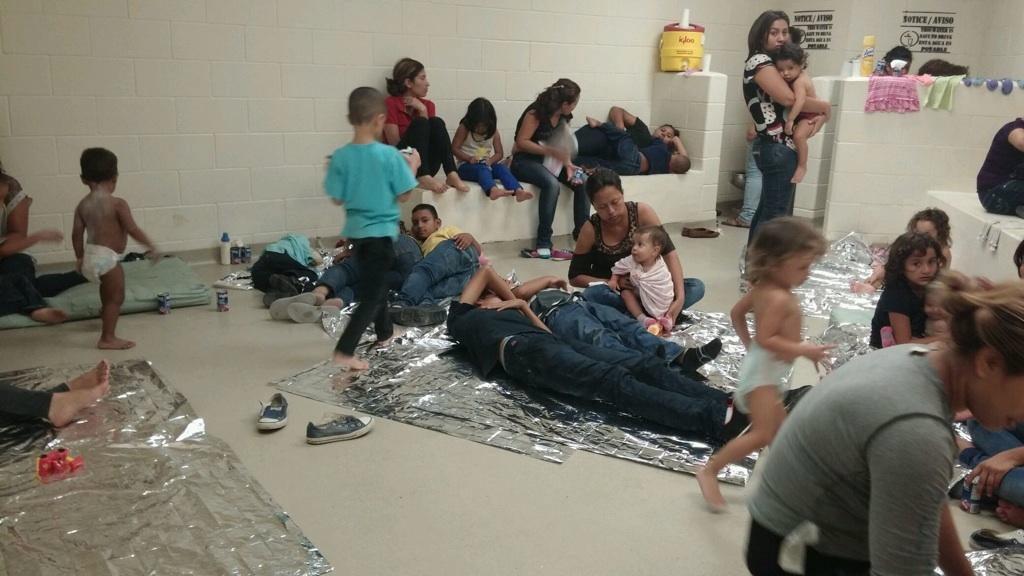 Congresista Cuéllar insiste en agilizar deportación de niños migrantes