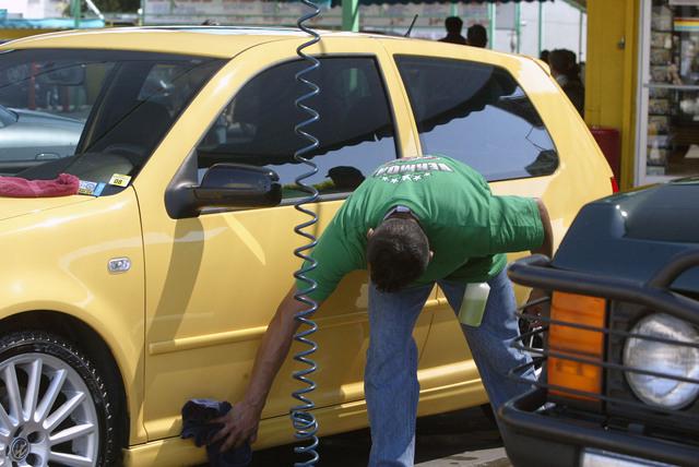Sigue en caída libre la industria automotriz en Venezuela