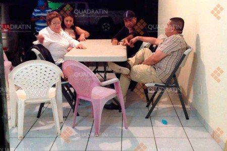 """Revelan fotos de reunión de alcaldesas michoacanas con """"La Tuta"""""""