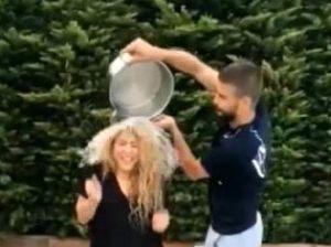 Shakira y Piqué, accidente con el cubo de agua helada