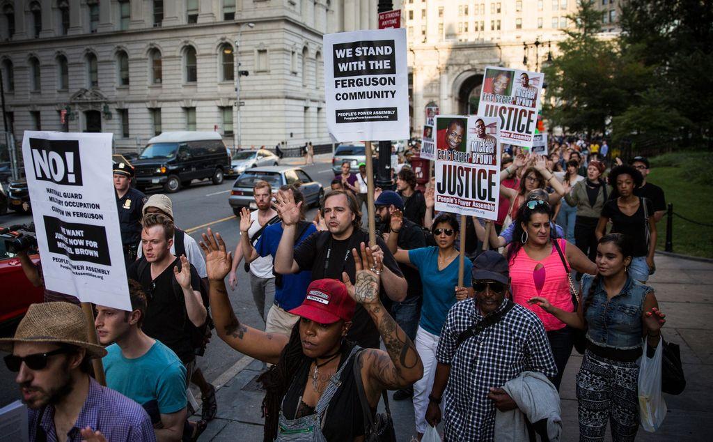 Miles de latinos participarán en marcha contra brutalidad policial en NYC