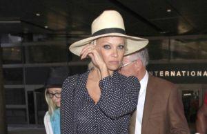 """'Calienta' a Pamela Anderson el """"Ice Bucket Challenge"""""""