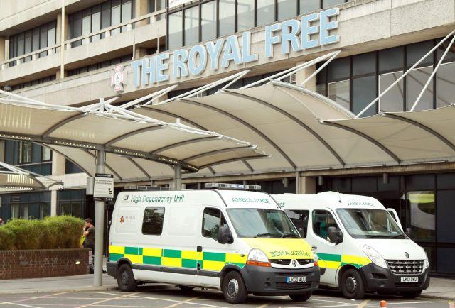Inicia tratamiento de británico infectado de ébola