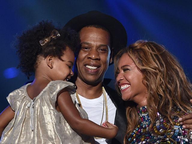 Suspenden a productor por burlarse de la hija de Beyoncé