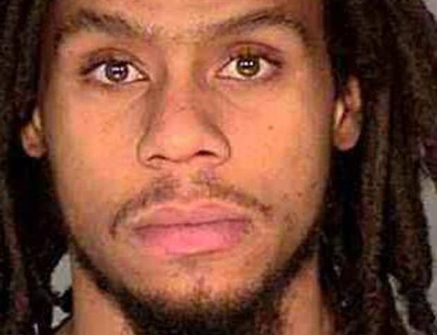 Hombre alega que oficiales lo agredieron con pistola taser por ser negro (video)