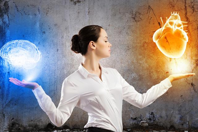 La intuición se desarrolla al equilibrar el cerebro y el corazón.