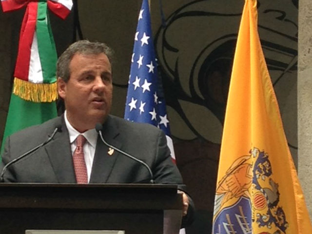 Christie firma pacto de educación entre Nueva Jersey México