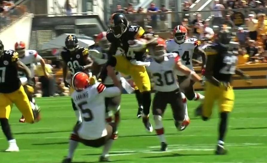 Antonio Brown se lleva 'a patadas' la semana 1 de la NFL (video)