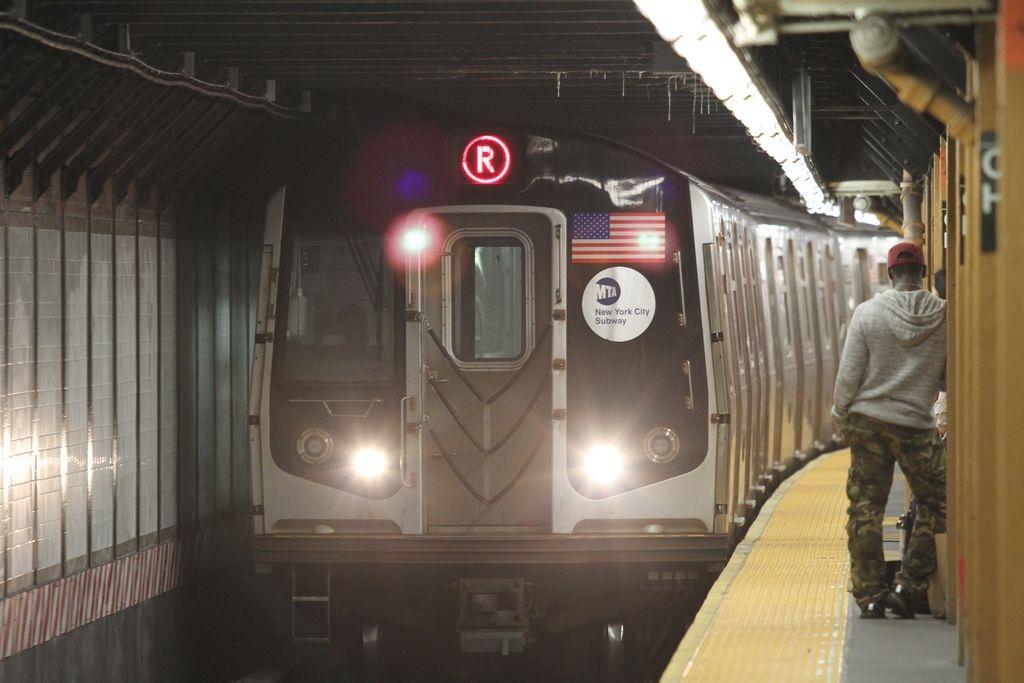 """Chinches """"atacan"""" de nuevo… ahora viajan en el tren R"""