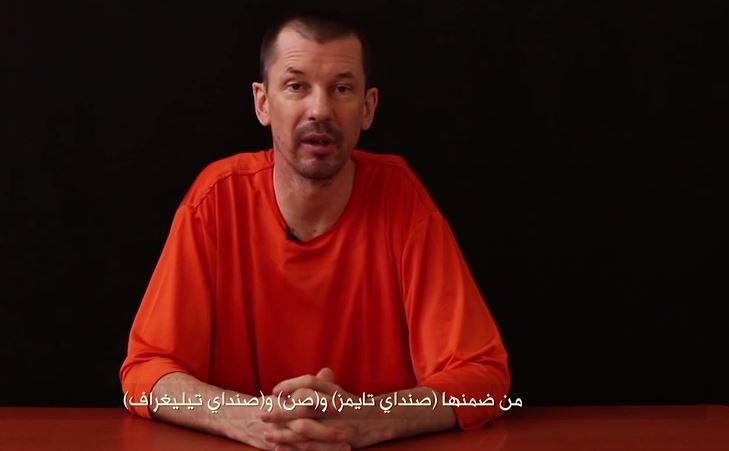 Rehén británico toma la palabra en nuevo video de ISIS