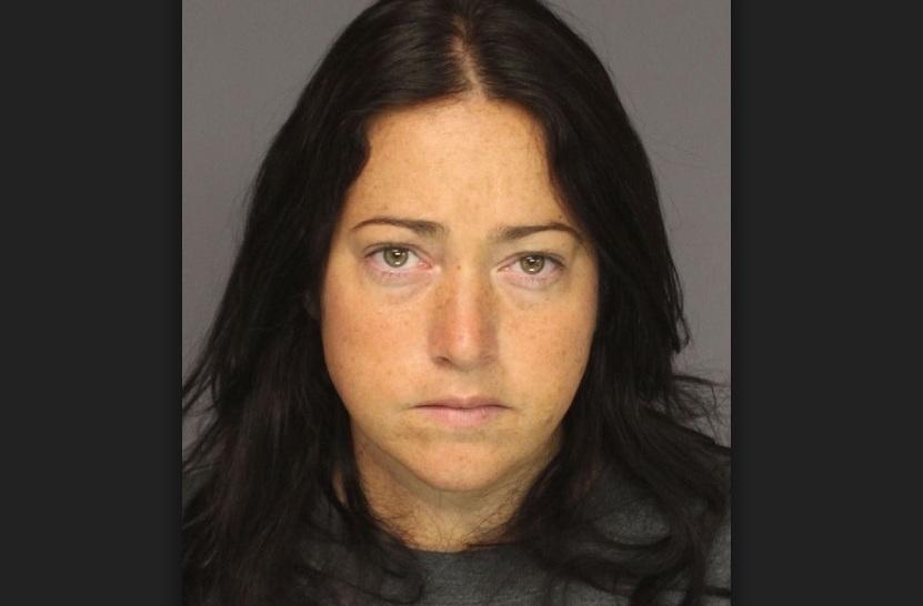 Nicole Dufault sigue detenida con una fianza de $500,000.