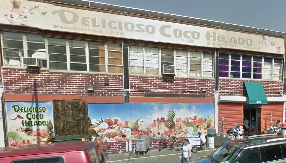 """""""Delicioso Coco Helado"""" está ubicado en la avenida St. Anns el sector de Melrose."""