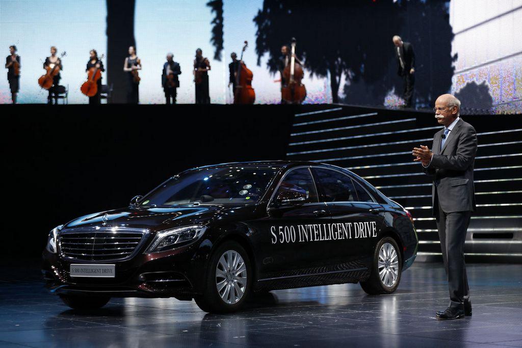 Mercedes Benz no se queda atrás: tiene permiso de autoconducción en California