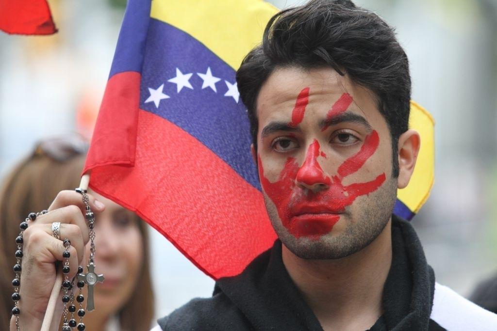 Opositores protestan contra Maduro en edificio de la ONU