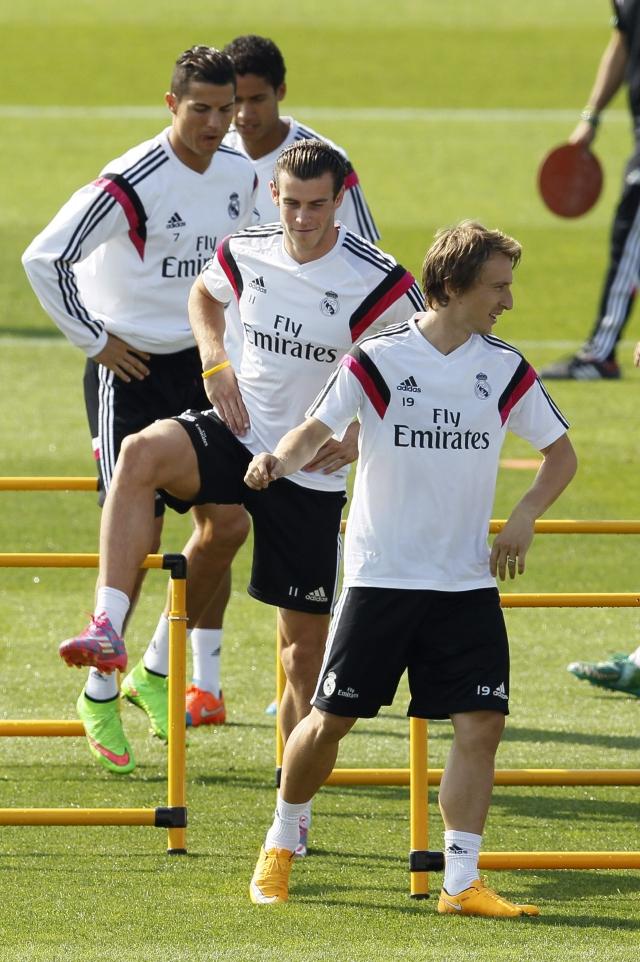 Villarreal reta   a la pegada del Real Madrid