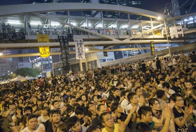 Estudiantes reinician  protestas callejeras