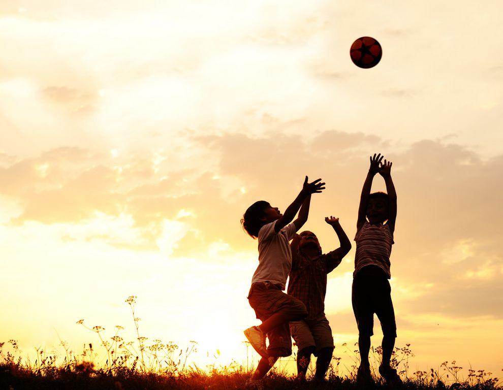 El deporte es fundamental para el buen desarrollo de los niños.