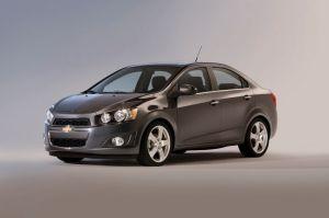 GM retira otros 60,000 vehículos