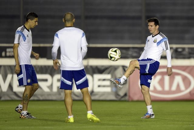 Argentina convocó la misma base de la selección subcampeona del mundo, entre ellos, Di María, Mascherano y Lionel Messi.