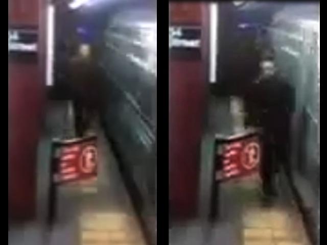 La víctima pasó por un estrecho pasadizo para ir a orinar en la estación.