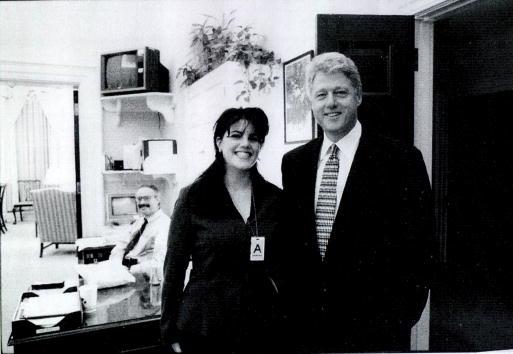 Monica Lewinsky habla del momento en que Bill Clinton manchó su vestido