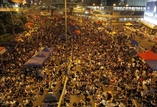 Regresa la calma y  los manifestantes a la calle