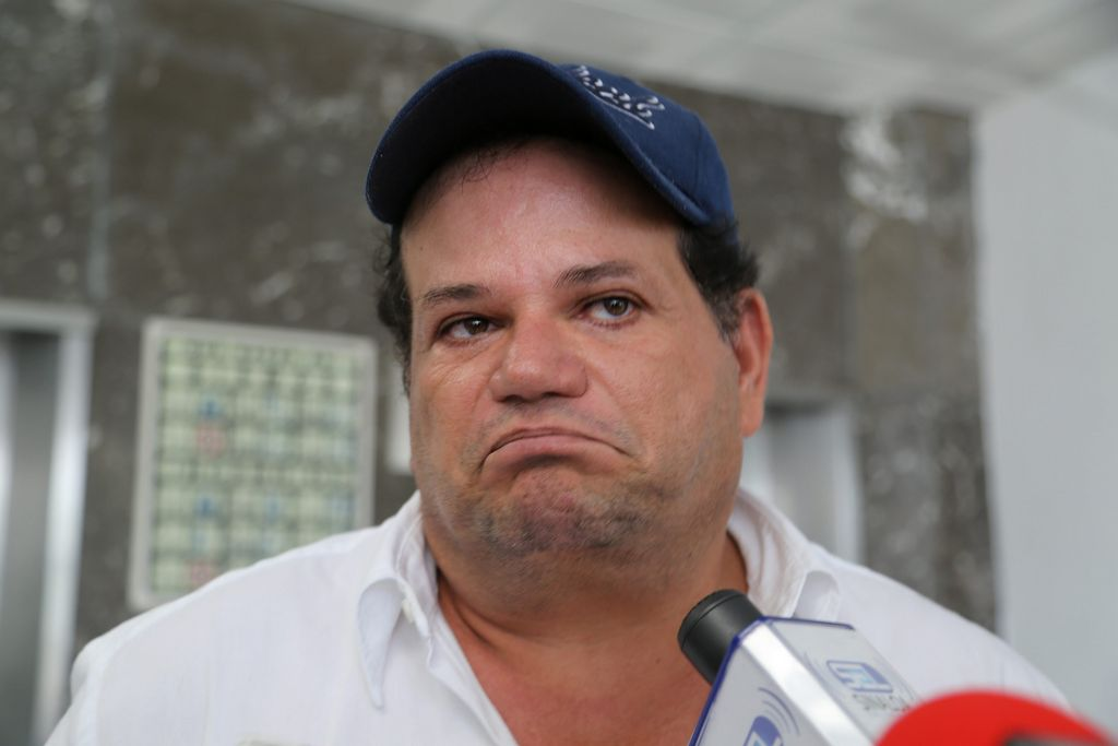 Matan a líder comunero en plena transmisión de radio en Sinaloa