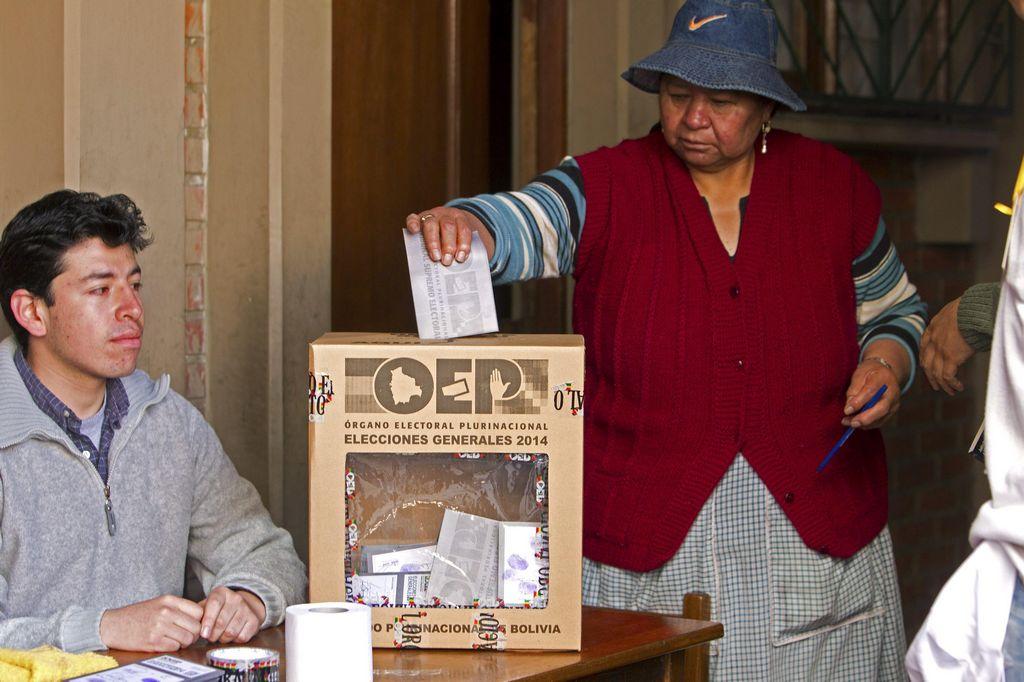 Evo Morales llama a bolivianos a sufragar