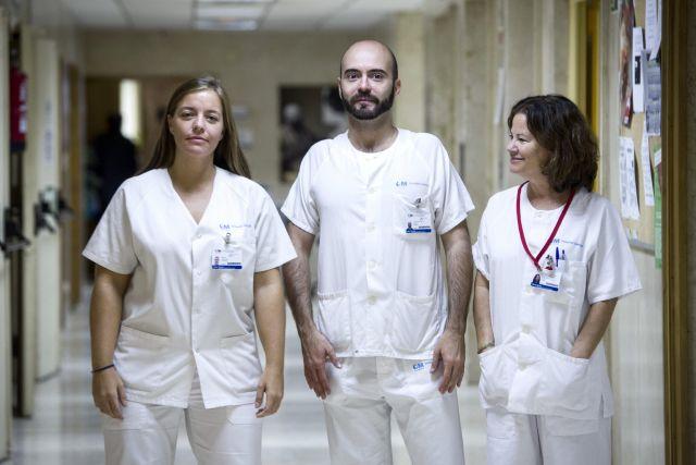 Enfermera española tiene una leve mejoría
