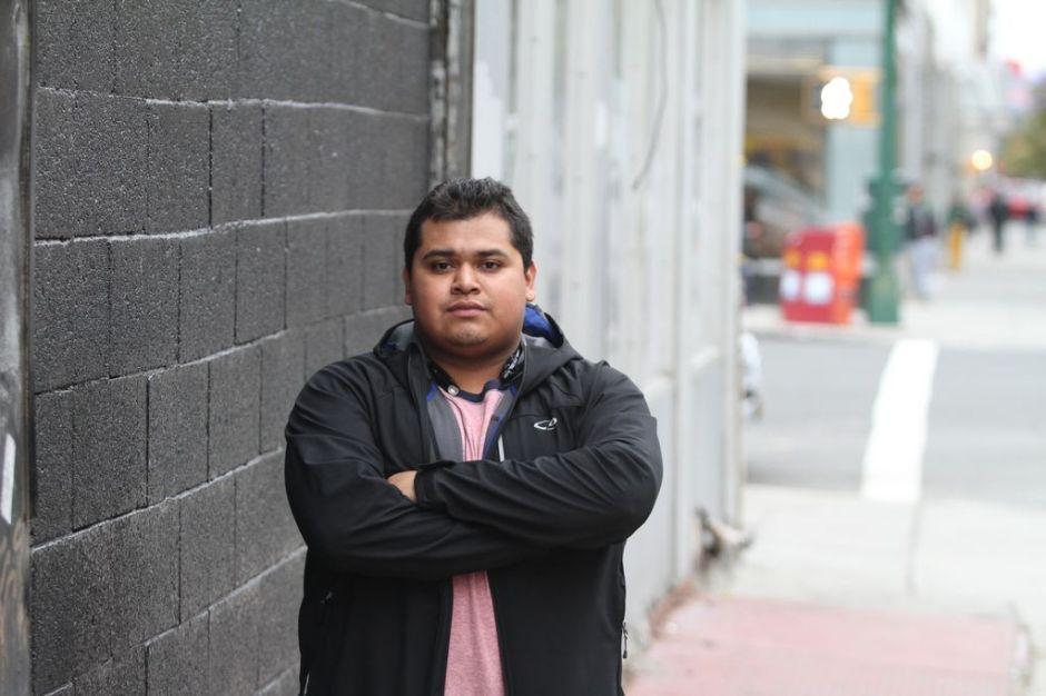 Inmigrantes en NYC esperanzados con ley que limita deportaciones