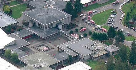 Dos muertos por tiroteo en escuela de Seattle (fotos y video)