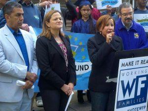 Líderes políticos hispanos llaman al voto progresista