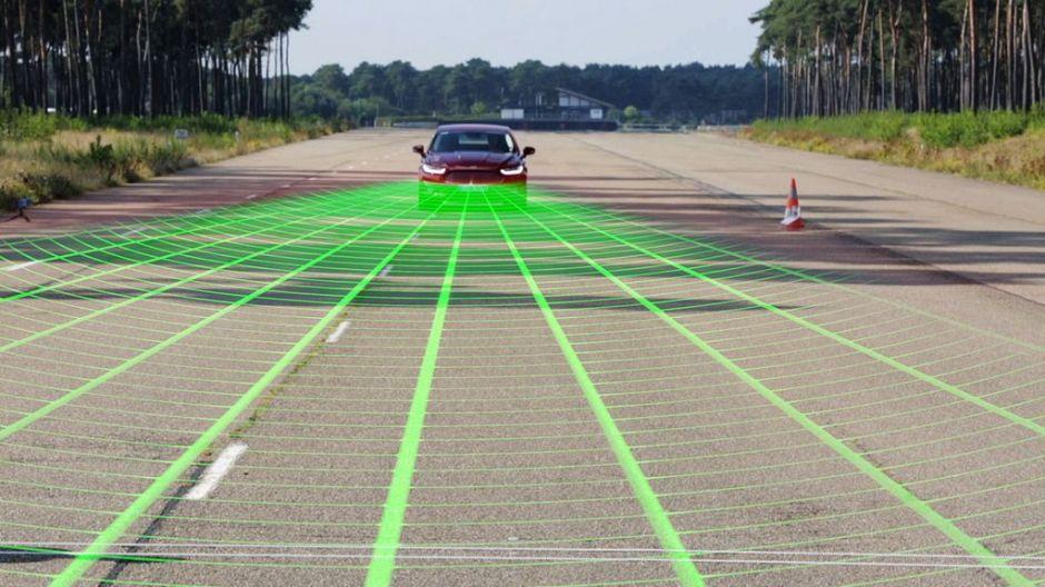 Ford estrena tecnología para prevenir choques frontales