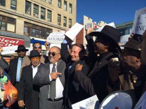 Astorino sigue persiguiendo el voto latino