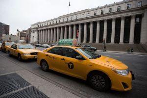 Taxistas ponen en riesgo su salud por no ir al baño