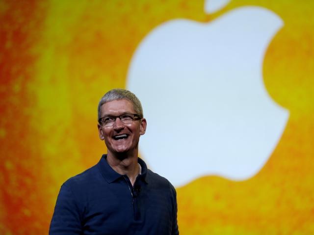 CEO de Apple admite ser gay