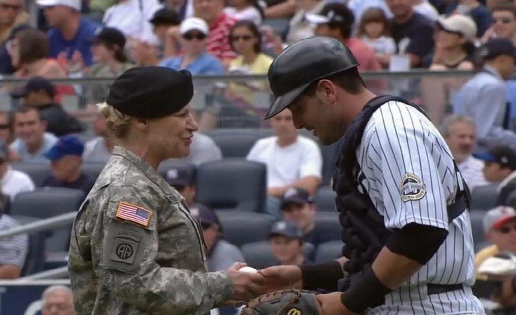 Las Mayores honran a los Veteranos en su día (Video)