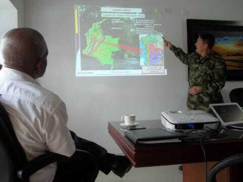 Las FARC confirman secuestro de general colombiano